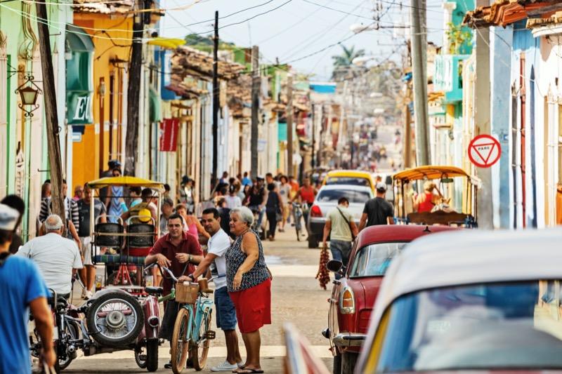 Kuba | emberek az utcán - OTP Travel Utazási Iroda